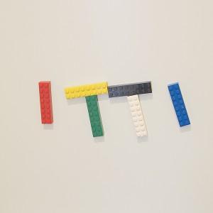 玄関のレゴマグネット、ITTI