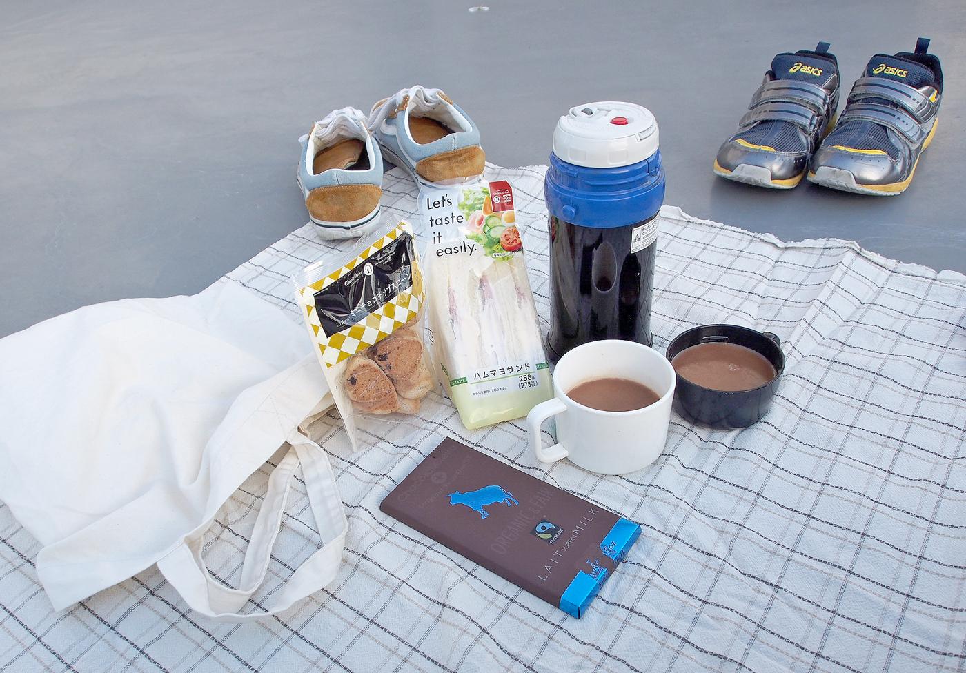 冬のピクニック、屋上