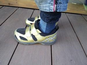 子供靴、アシックス