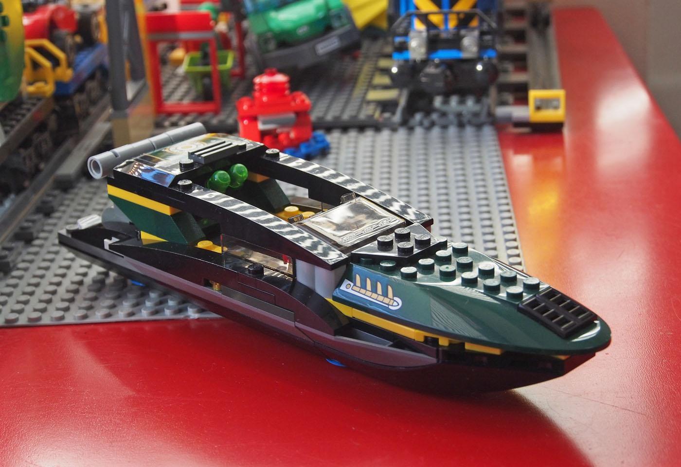 緑のボート[レゴ]76006