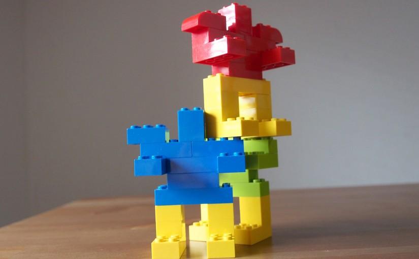 レゴでロボットをつくって遊ぶ(その3)基本の3色で!