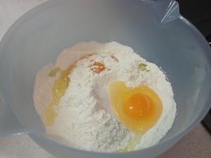 卵を2個投入