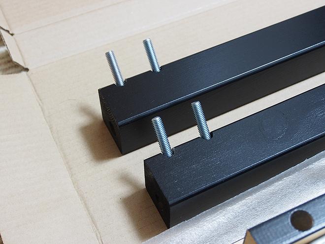 テーブルの足になる角材