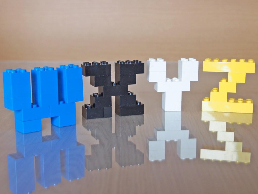 レゴでアルファベット、W,X,Y,Z