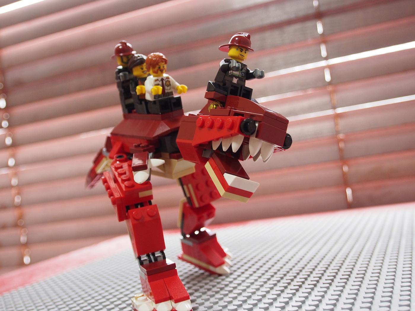 ティラノに乗った3人、レゴ