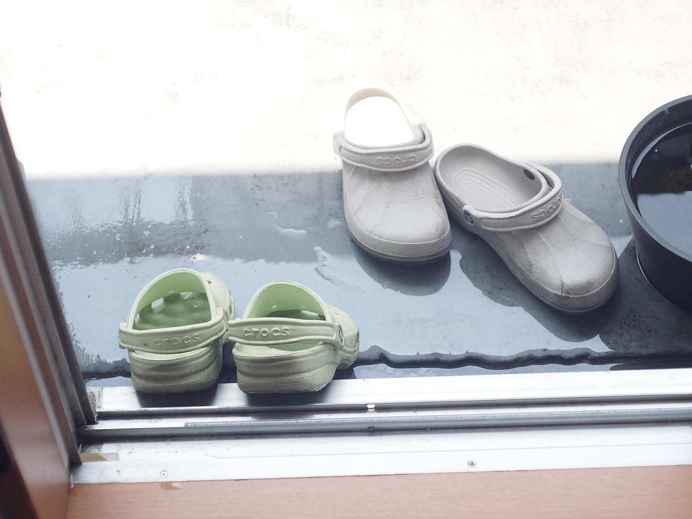 ベランダで靴を洗うとき