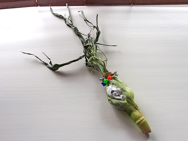 トウモロコシの皮の人形