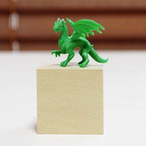 小さなドラゴン、緑、左向き