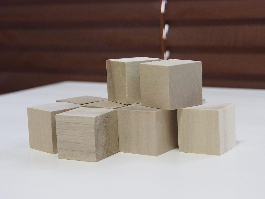 木の立方体