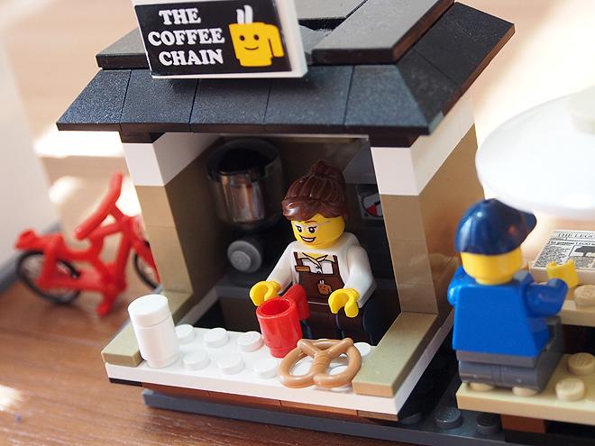 カフェ、店員