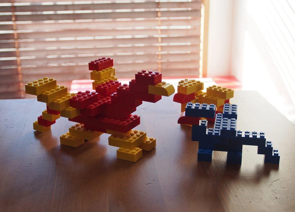 親子グリフォン、レゴ