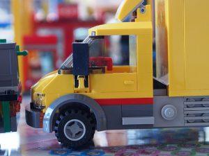 レゴショップのトラック、前側面
