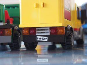 レゴショップのトラック、後方