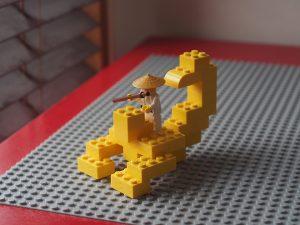 レゴ、サソリ、ななめ右から