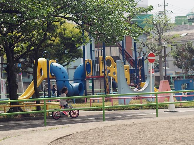 萩中公園、すべり台、中
