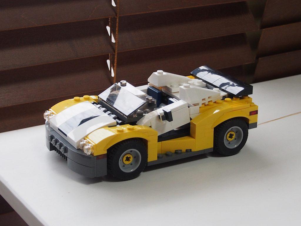 レゴクリエイター3in1、スポーツカーイエロー
