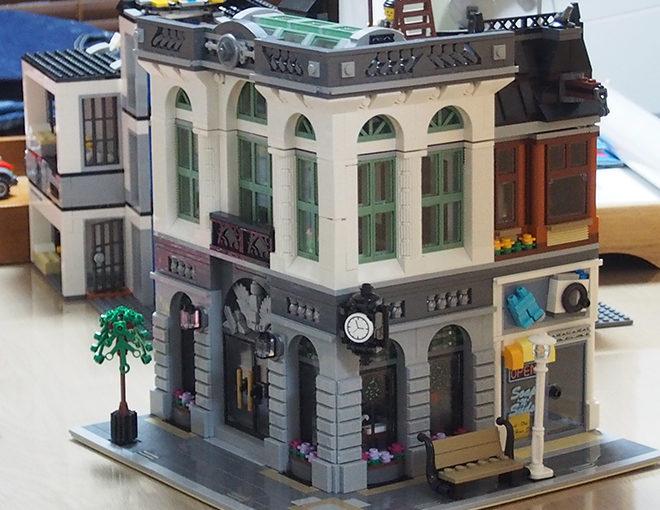 [レゴ]クリエイター Brick Bank(10251)は、どこから見てもかっこいい!