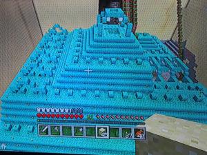 海底神殿、左側面