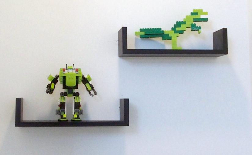 レゴを飾るために壁に棚を設置
